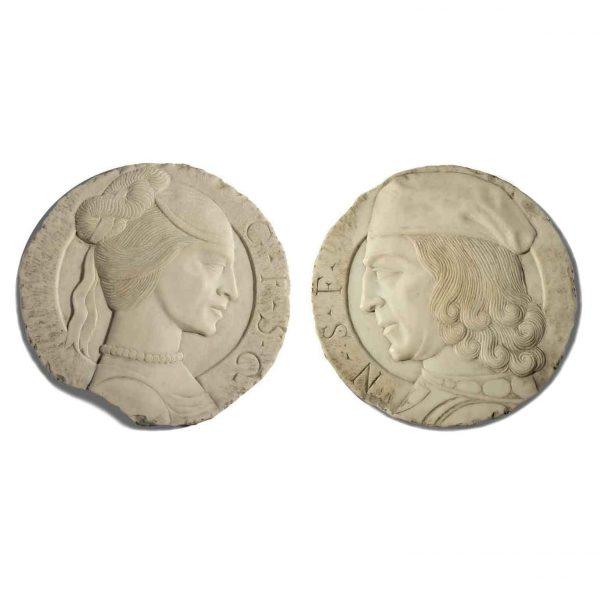 Coppia di Bassorilievi Tondi con Profili in Marmo