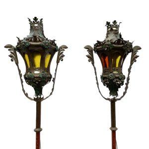 coppia di lampioni da processione in lamierino laccato